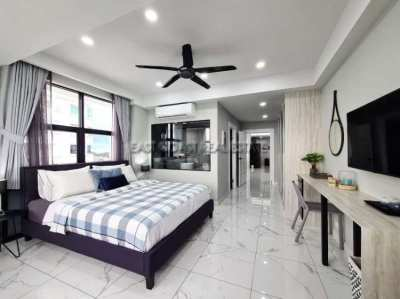 Outstanding 122m2, 2 bedrooms, Sea View Jomtien Complex Condo