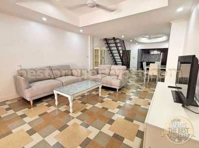 Beautiful Townhouse on Thappraya Rd close to Pattaya center