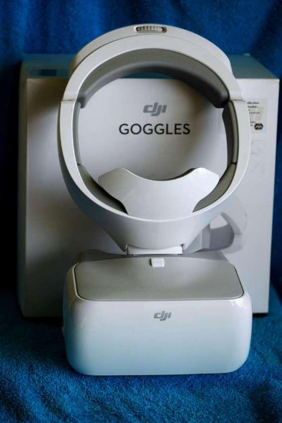 DJI Goggles in Box, Watch Movies in VR, 1080p HD Immersive FPV