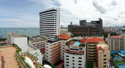 Pattaya Beach, One Bedroom, top-floor corner, seaview, newly renovated