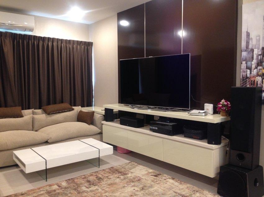 Seaview 2 Beds Condo For Sale in Pratumnak Pattaya