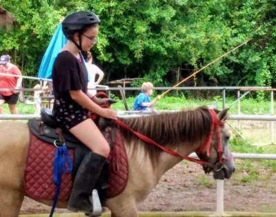 Horse, fish farm for rent