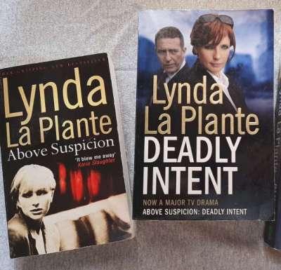 DI Anne Travis - Llynda LaPlante - 3 Enjoyable Novels