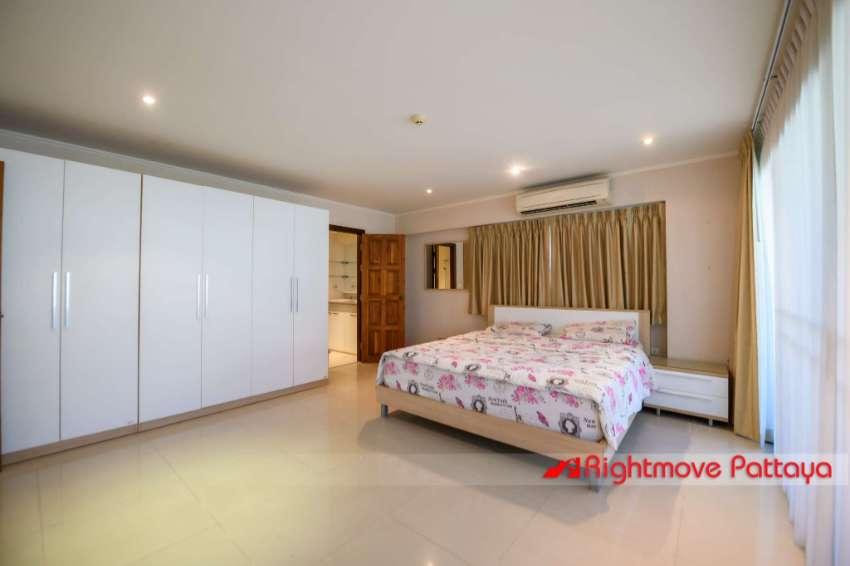 Huge 3 Bed Condo 143 sqm Pratumnak = 25k per sqm