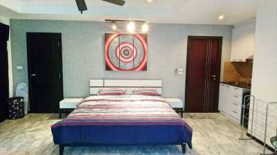 Spacious Studio 47 sq.m. on Pratumnak Hill
