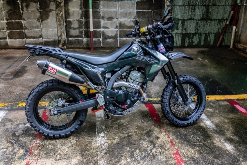 Honda CRF250M Black  (low milage) lots of extras, taxed until Nov 2021