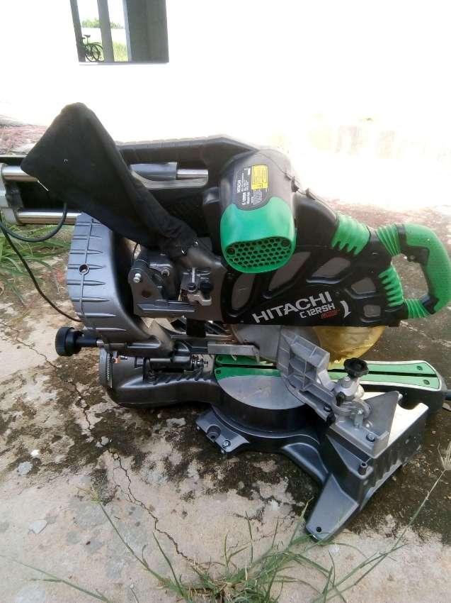 Hitachi c12rh 12 inch mitre saw
