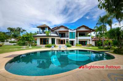 Rock Star Mansion on private estate in Bangsaray