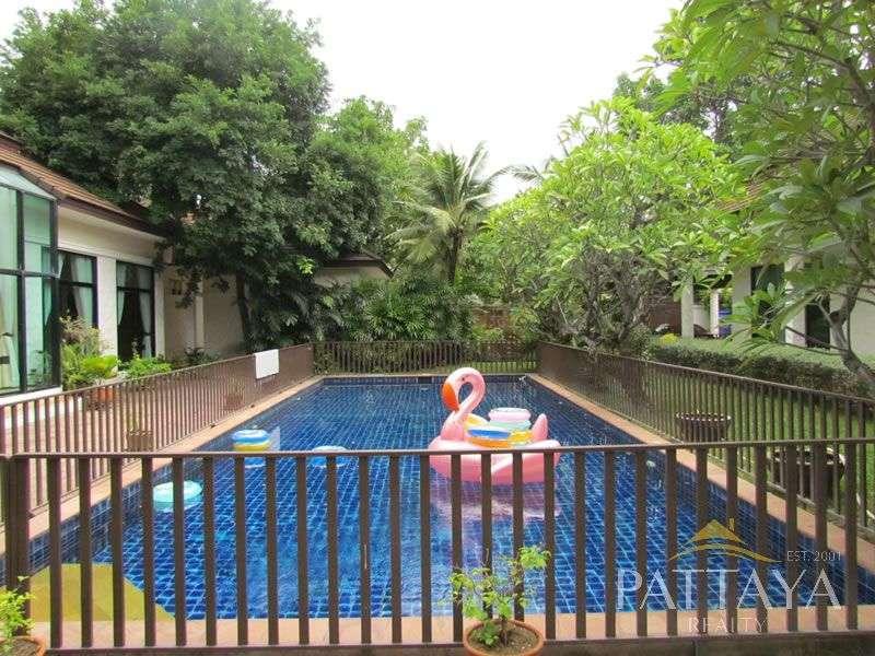 Large Tropical Villa In Baan Anda on Nearly 1 Rai of Land