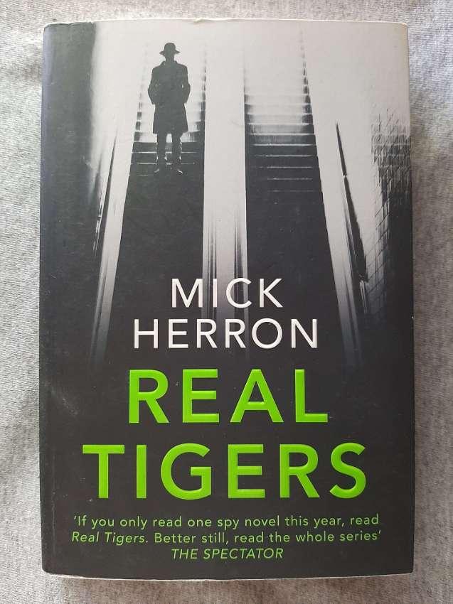 Real Tigers; A Jackson Lamb Thriller - Mick Herron