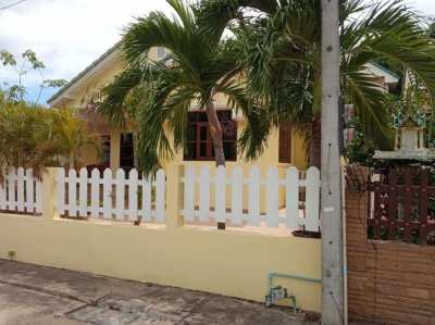 3 bed 2 bath villa for RENT on pool village in Hua Hin
