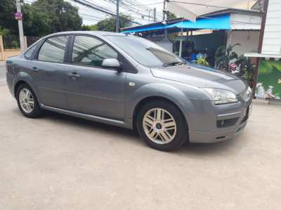 Excellent Ford Focus GHIA 1.8 automatic