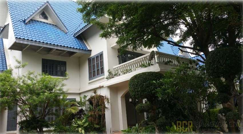 Panya Village Massive 7 Bedroom  House with Private Pool