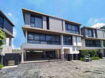 Luxury Detached House Villa @ Thonglor in a Gated Community