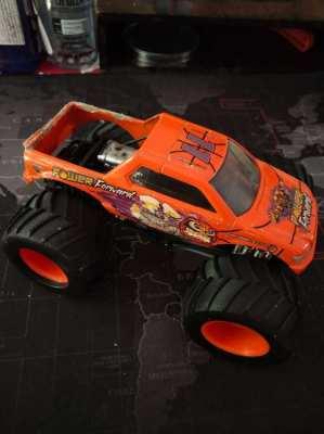 2004 1/43 Scale Power Forward Monster Truck - Karl Malone
