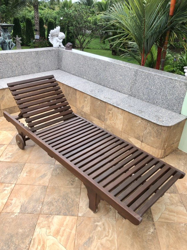 3 Piece Wooden Sunbed with wheels and mattress