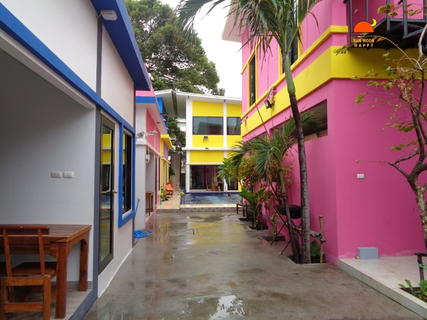 Beach front house for rent, 5 bedrooms, fully furnished.