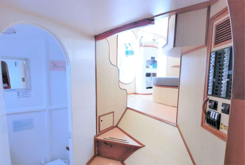 2002 – Mumby 48 – Sailing Catamaran