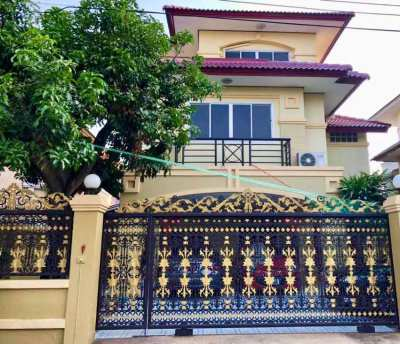 Single House For Rent 6br 3br + maid's room 300sqm 3 Stories