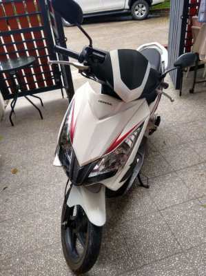 Honda Airblade Motorbike Low kms only 10,000 THB