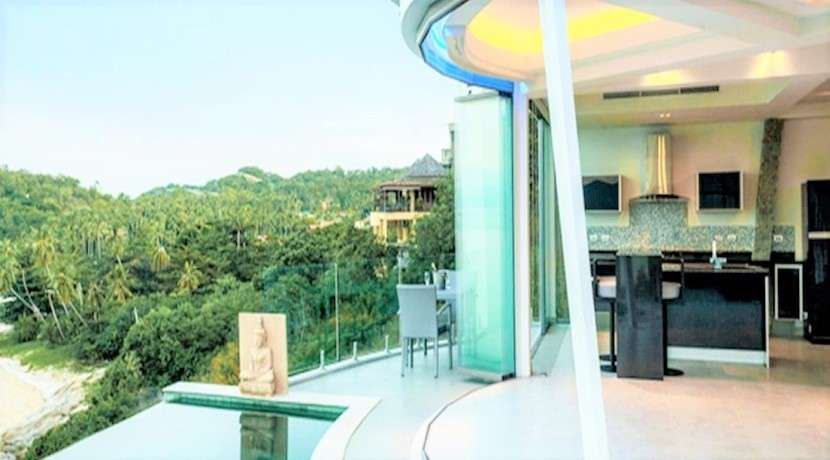 For sale 3 bedroom sea view villa in Plai Leam 30 m from the beach