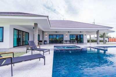 Brand new luxurious pool villa Hua hin for sale