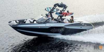 Axis A22 Wake Boat