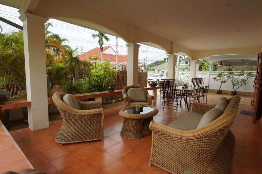 Lovely Bungalow near town for rent