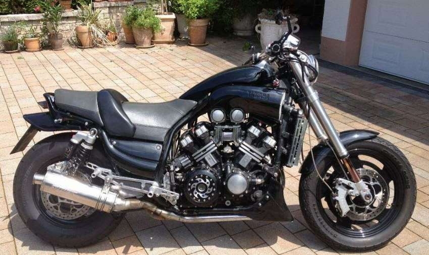 WANTED ! YAMAHA  VMAX 1200 ACCIDENT BIKE !! BROKEN ENGINE PARTS ETC.!!