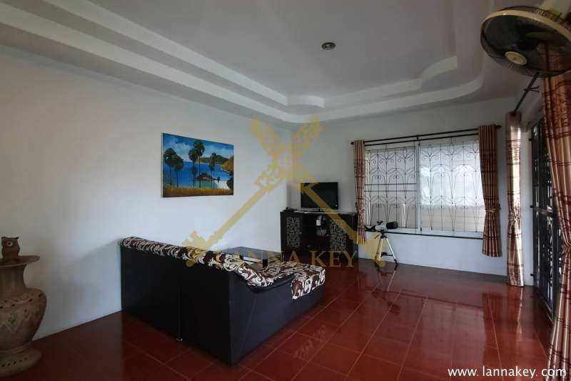 Modern 3 Bedroom Western Style House for Sale!