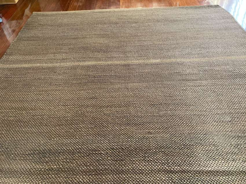 Large water hyacinth rug
