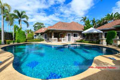 Stunning 4 Bed Pool Villa on large land plot