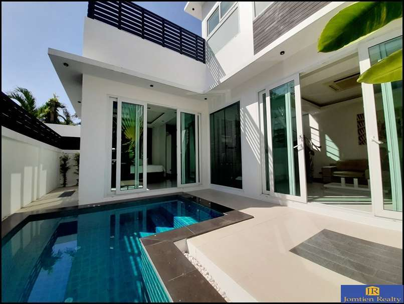 Modern Style Pool Villas 2 Bed - 2 Bath for Sale at Palm Oasis Jomtien
