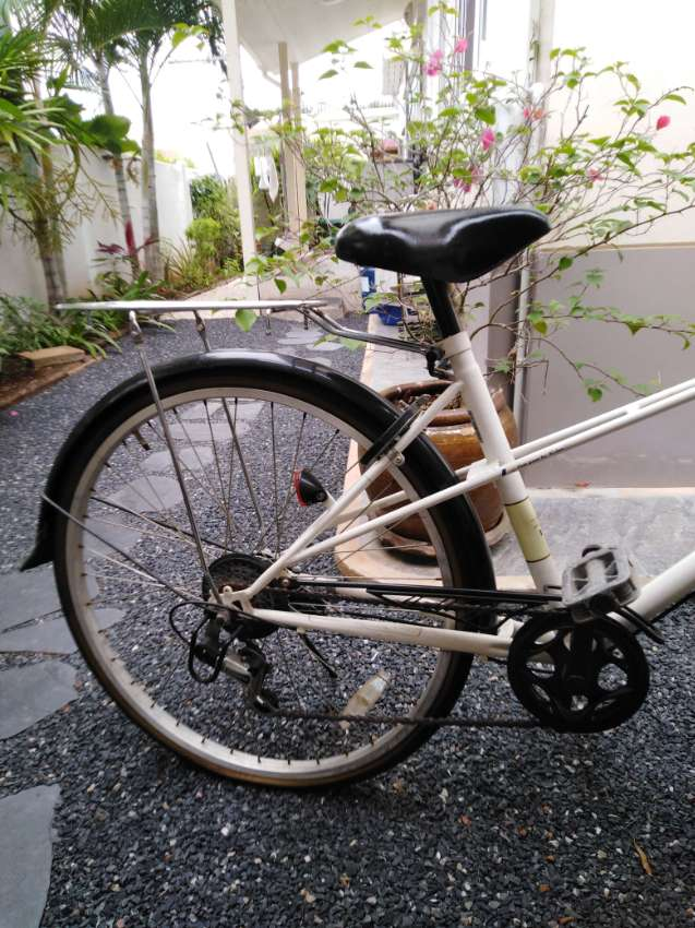 REDUCED - Bicycle for Girl/Woman - Frame 16 inches - wheels 26 inches
