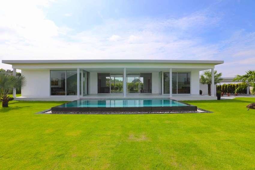 New designer quality pool villa in the Silverlake area