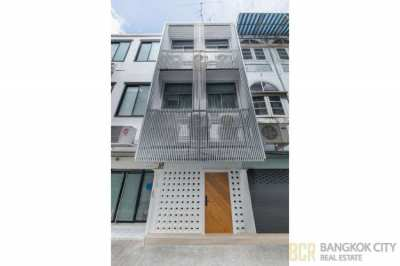Newly Renovated 3 Storey Townhouse in Sukhumvit 38 Near BTS Thonglor