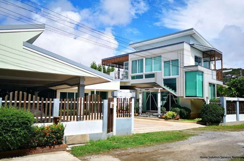 Brand new 3 bedroom house close to Suan Son & Ban Phe in Rayong