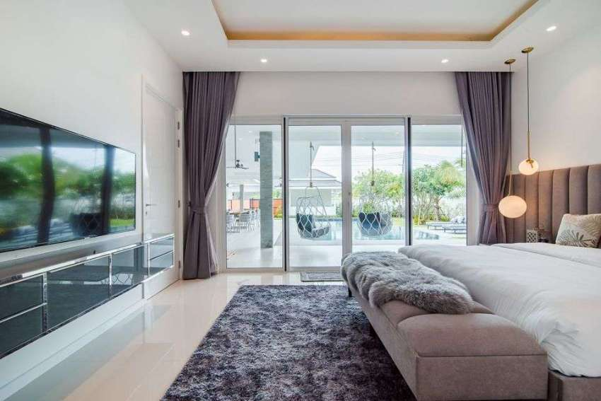 Luxurious high end pool villa for sale
