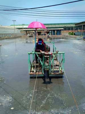 handling industrial toxic waste And pumping mud sludge throughout the