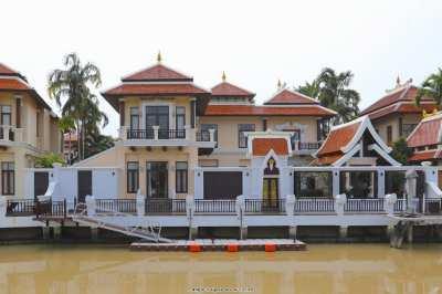 Pool villa with boat mooring