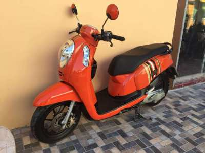 HONDA SCOOPY i - 10/2015 - 25.000 Bath