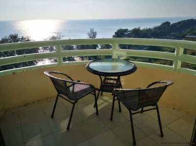 Amazing ocean- and sunset views from the 13th floor of VIP Condochain,