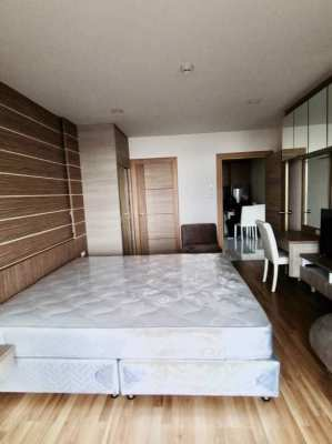 Excellent condo with sea views from all 3 balconies