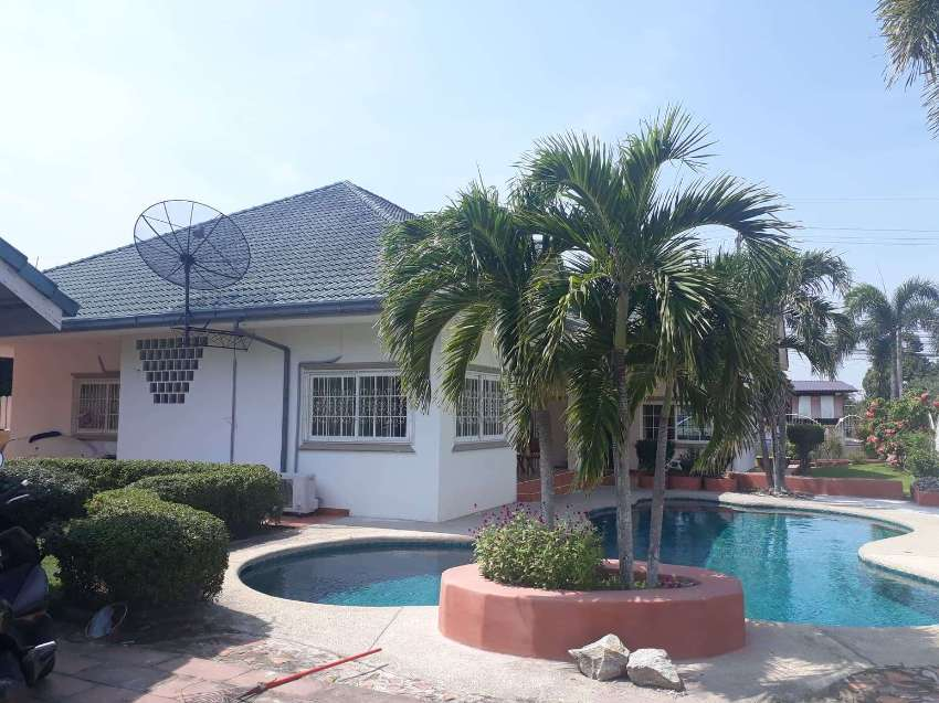 Large Villa With Pool For Rent, East Pattaya