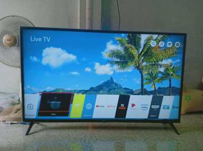 LG Smart TV for sale 55 inch PLUS Playstation PS3 and over 1000 movies