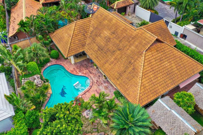 Reduced price! 3 Bedroom Pool Villa in a Prime Wongamat Area for Sale