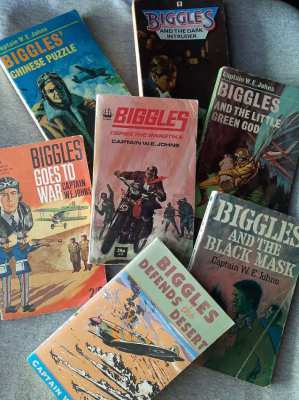 Biggles! - 7 paperbacks by Capt W.E. Johns