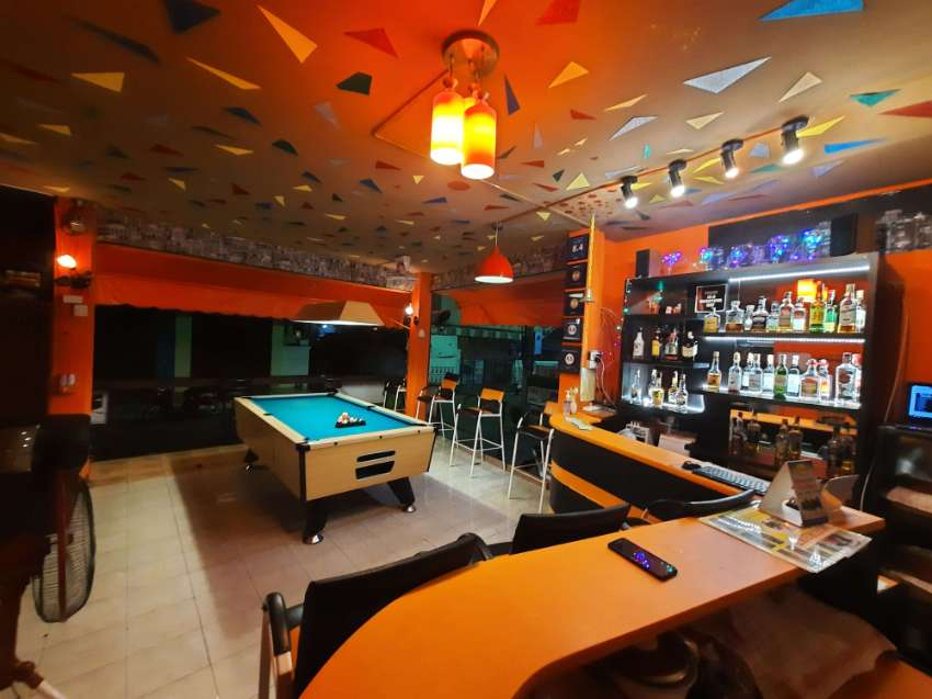 Bar and Guesthouse. Hua Hin central