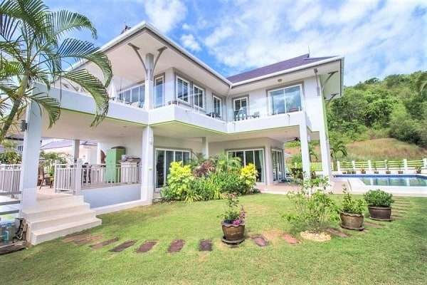 2 Storey Pool Villa with clear Panoramic Views of the Sea and Mountain