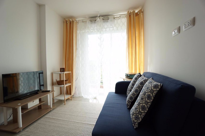 Bargain 1 bedroom for Sale, 100 m from the Beach